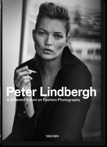 Libros de fotografía profesional: A Different Vision on Fashion Photography