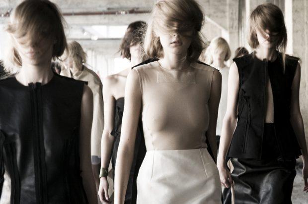 Maison Martin Margiela fashion show Paris 2011 por César Segarra